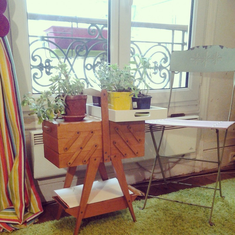 le jardin s invite au salon mlle pois. Black Bedroom Furniture Sets. Home Design Ideas