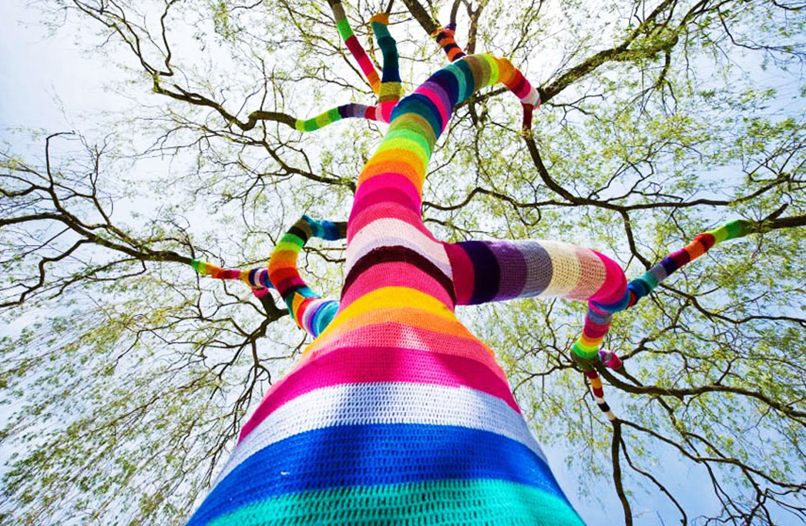 yarn-bombing-knit-graffiti-street-art